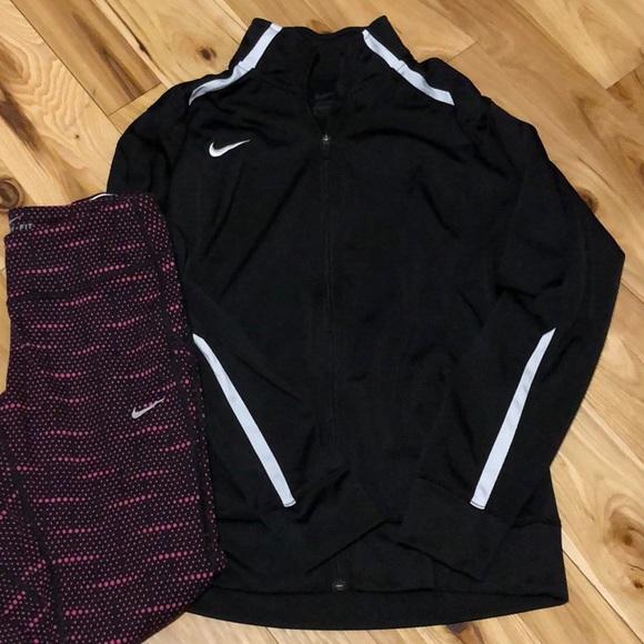 334fc599bdf727 Nike M track jacket. M 5bf1ce81f63eea71694379a4